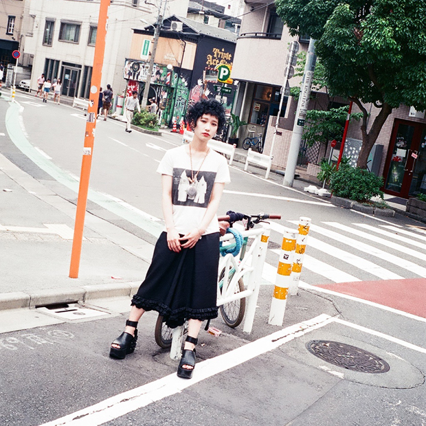 Cut&Sewn: WITHOUT RULERS / Skirt: COMME DES GARCONS