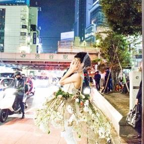 Photographer: Akiko Isobe / Stylist: Kaori Shinohara / Hair-make: Kaori Shinohara / Model: kikka / Flower: Megumi Shinozaki