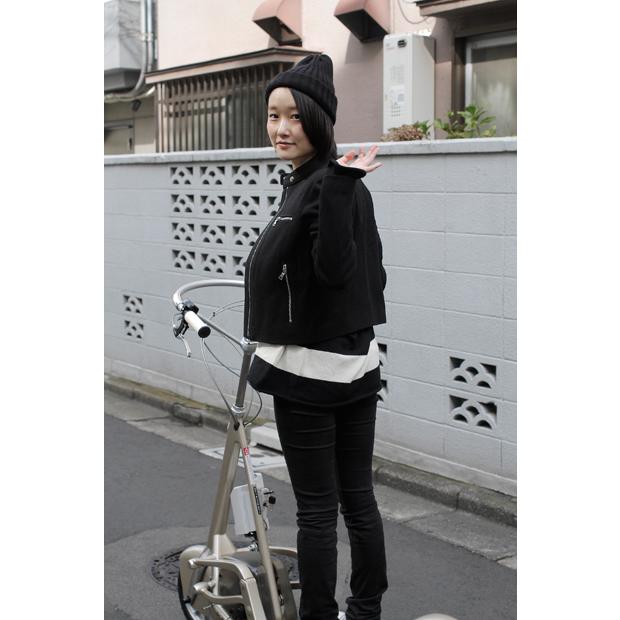 Biker Jacket: GAP (¥12,900) / Clutch Bag: GAP (¥6,900) / その他本人私物