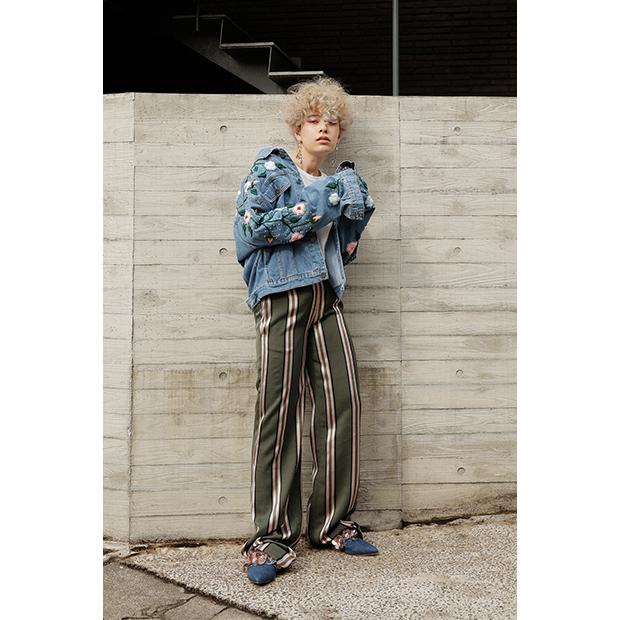 Denim Jacket: ANOUKI / Pants: ADAM LIPPES / Shoes: ANOUKI